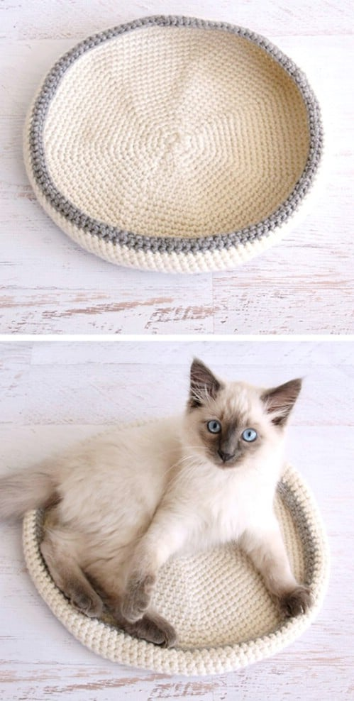 Simple Crochet Cat Bed