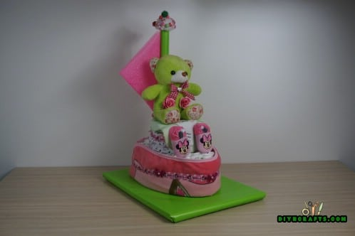 You now have a cute diaper cake boat to bring to your next baby shower. Have fun, and enjoy delighting your recipient!