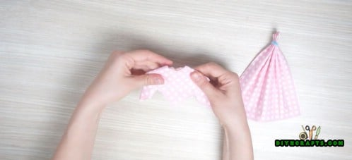 Dress Napkin - 5 Creative and Mind-Blowing Napkin-Folding Tricks in Under 4 Minutes