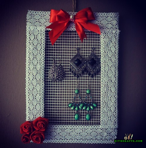 How to Make a Decorative Hanging DIY Jewelry Organizer