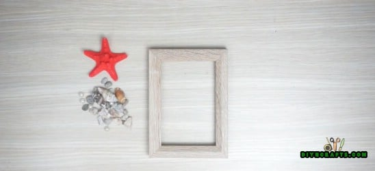 Picture Frame - 5 Cute Craft Ideas Using Garden Stones in Under 5 Minutes