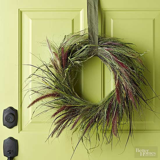 Easy Autumn Ornamental Grass Wreath