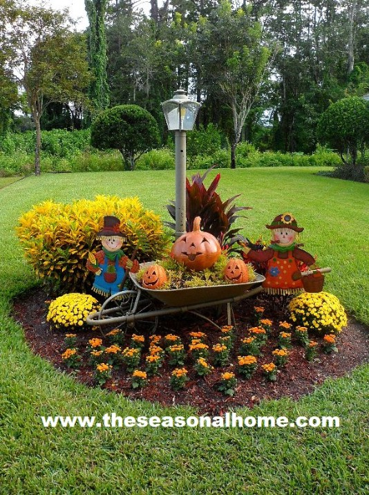 20 DIY Outdoor Fall Decorations That'll Beautify Your Lawn ... on Backyard Garden Decor id=73964