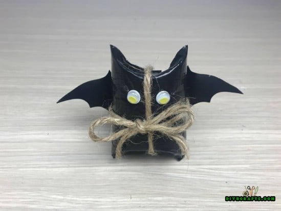 Candy Bat - How to Make 5 Spooky Halloween Decorations Out of Simple, Cheap Supplies