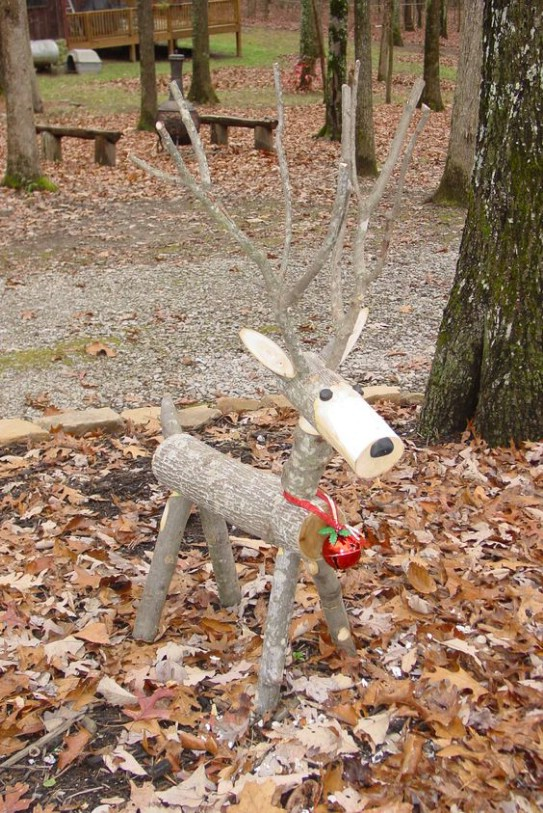 Reclaimed Log Reindeer