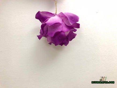 DIY Christmas Flower Petal Ornament