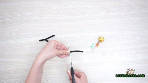 Lollipop Spiders Tutorial