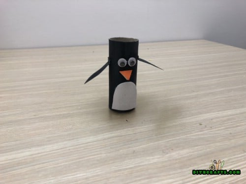 Cute Penguin - 5 Easy Projects to Repurpose Paper Rolls Into Festive Holiday Decorations