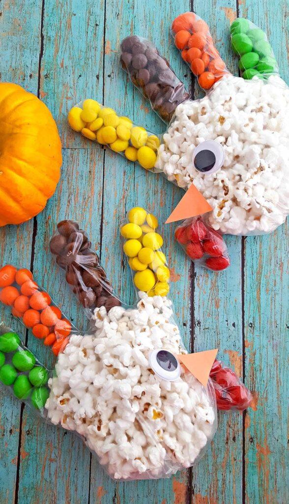 Popcorn turkeys on blue wood