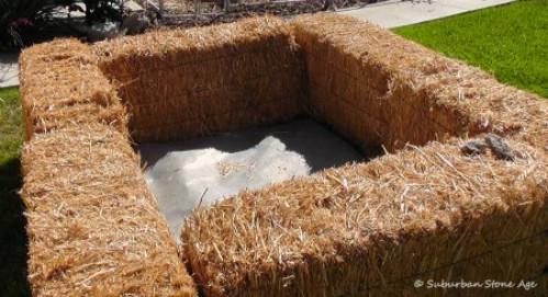 DIY Straw Bales Compost Bin