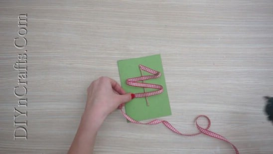 Tree Card #2 - Send Your Season's Greetings In Style With These 5 DIY Christmas Cards