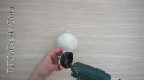 Snowman - 4 Easy DIY Christmas Yarn Crafts to Spread Holiday Cheer