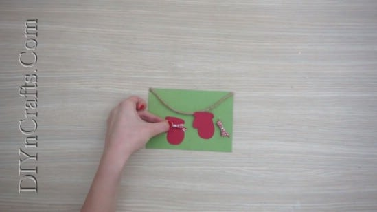 Mittens Card - Send Your Season's Greetings In Style With These 5 DIY Christmas Cards