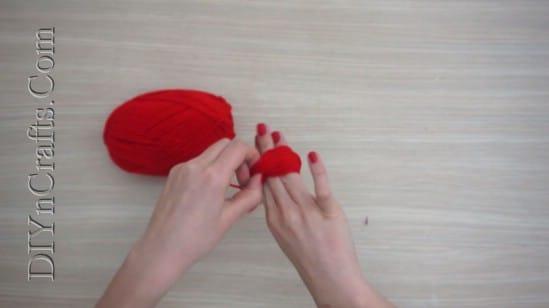 Gift Box - 4 Easy DIY Christmas Yarn Crafts to Spread Holiday Cheer