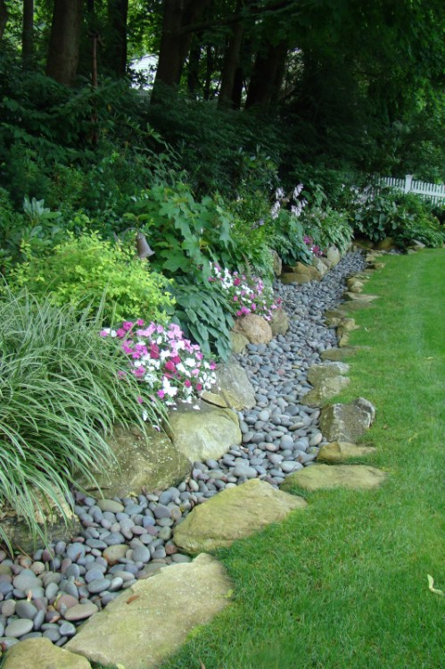 Small Stone Garden Edging