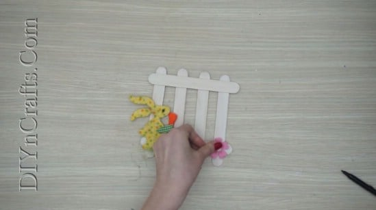 Easter Fence - 5 Easy DIY Easter Projects You Can Make With Ordinary Craft Sticks
