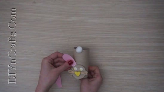 Paper Roll Bunny - 5 Easy Easter Crafts For Kids In Under 5 Minutes