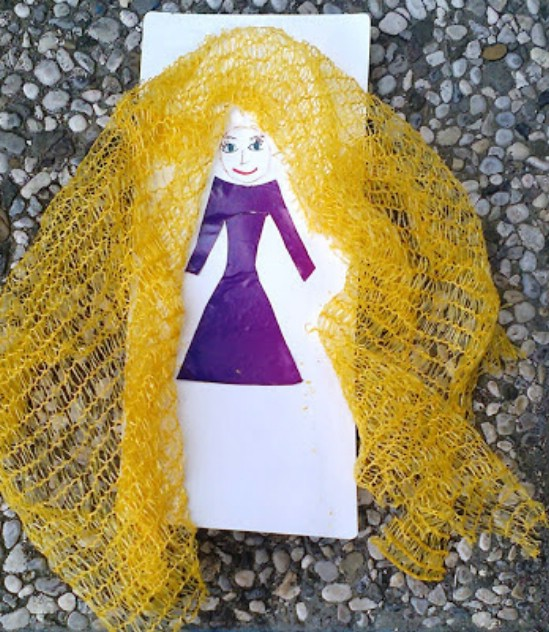 Adorable DIY Rapunzel Art