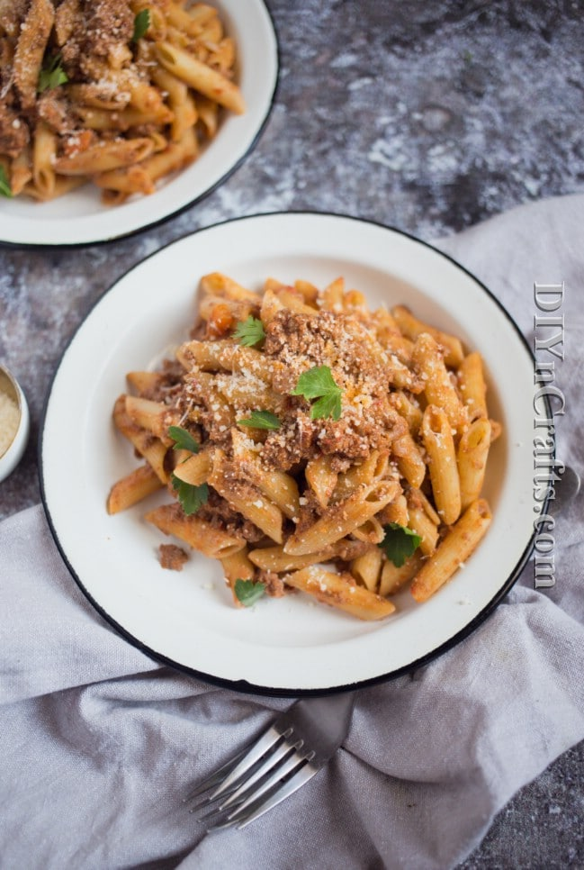 Finished slow-cooker bolognese sauce with pasta.