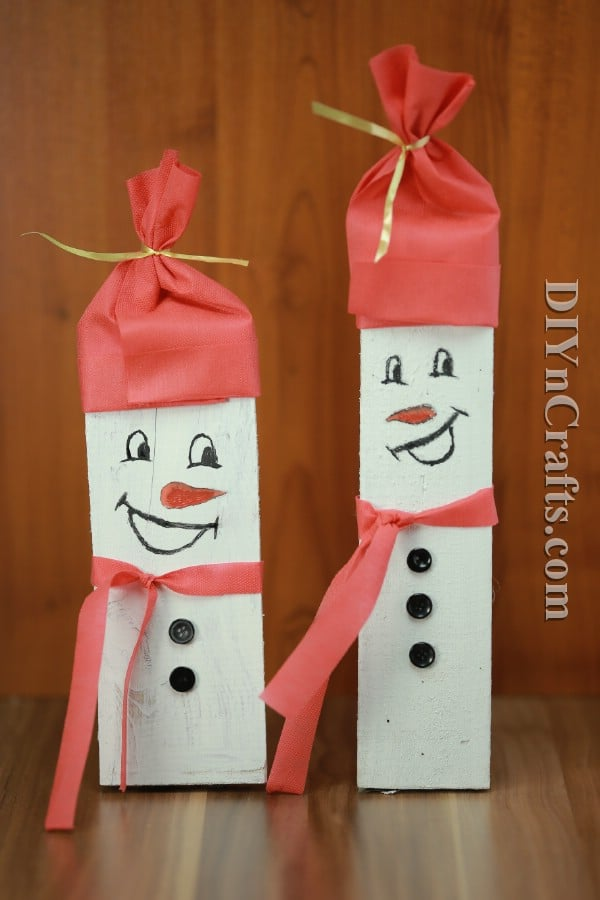 How to Make This Rustic Christmas Snowman Decoration