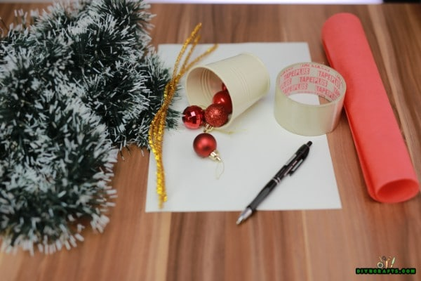 Supplies needed for the miniature Christmas tree
