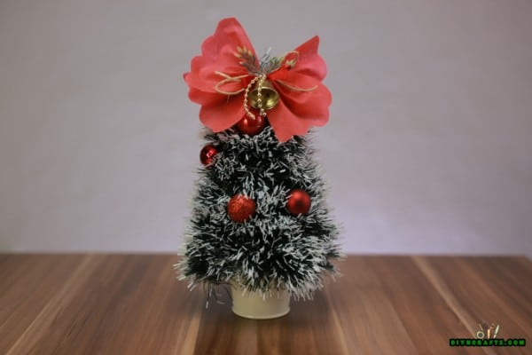 How to DIY a Miniature Christmas Tree Decoration