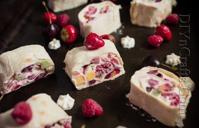 Deliciously Creamy Fruit And Berry Roll-Ups