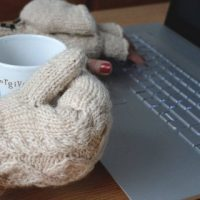 Thame Cable Knit Convertible Mitten