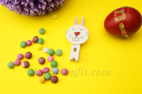 Adorable Clothes Pin Easter Bunny