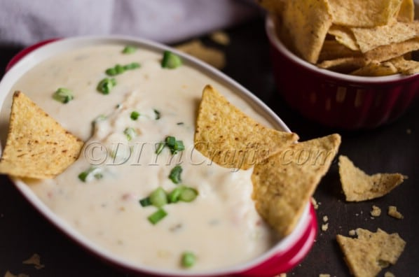 Finished queso dip