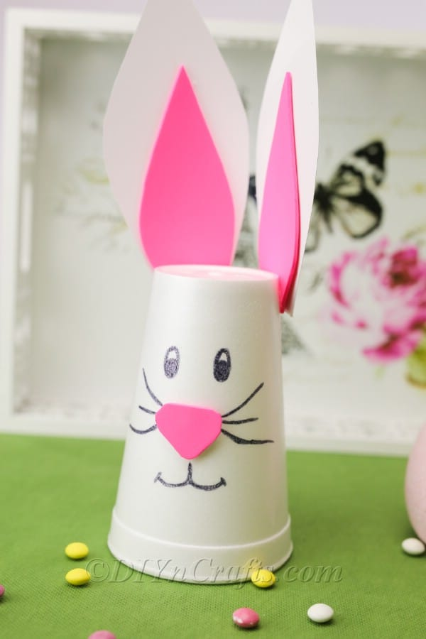 Amazingly Easy Easter Bunny Cup Decoration