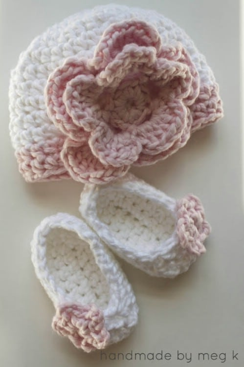 Newborn Crochet Flower Hat Pattern