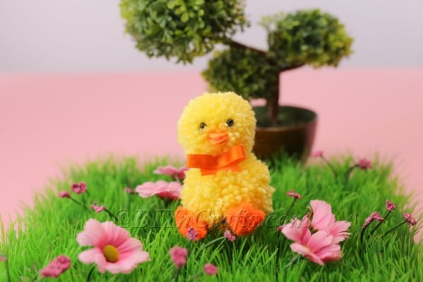 How to Make a Cute Easter Chick Out of DIY Pom Poms