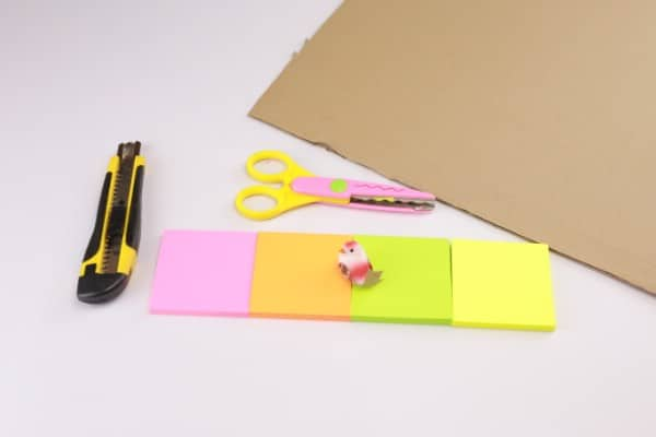 Sticky note wreath materials.