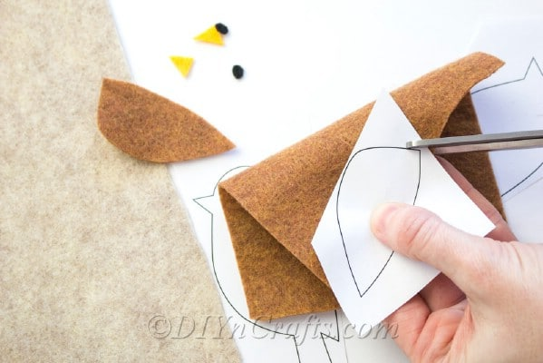 Printable template makes cutting out pattern pieces easy