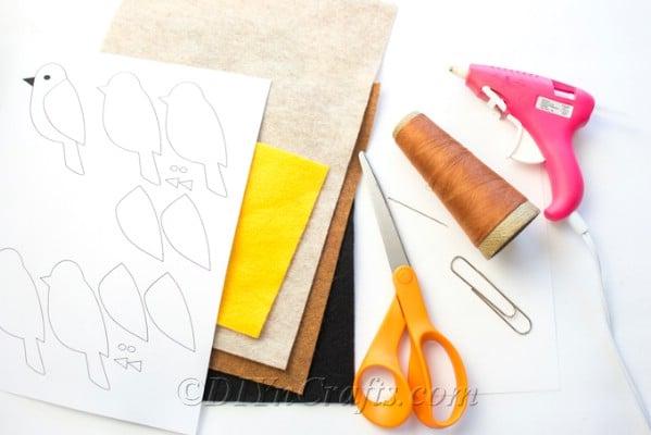 Easy DIY Felt Bird Paperclip Bookmark - DIY & Crafts