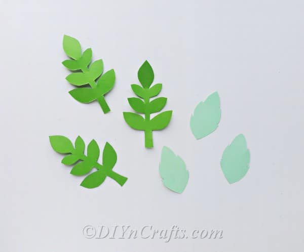 Print off the template to trace spring flowers and leaves on craft paper