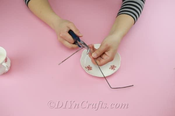 Folding wire into shape