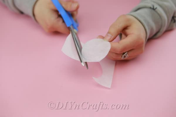 Cutting out fabric circles
