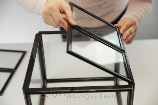 Gluing smaller frames to larger ones to create a roof
