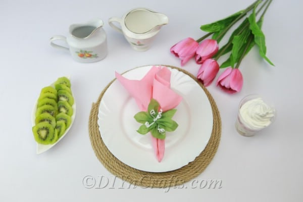 DIY placemats with a plate and pink flower