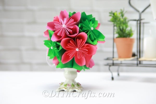 How To Make A Gorgeous Diy Paper Flower Ball Diy Crafts