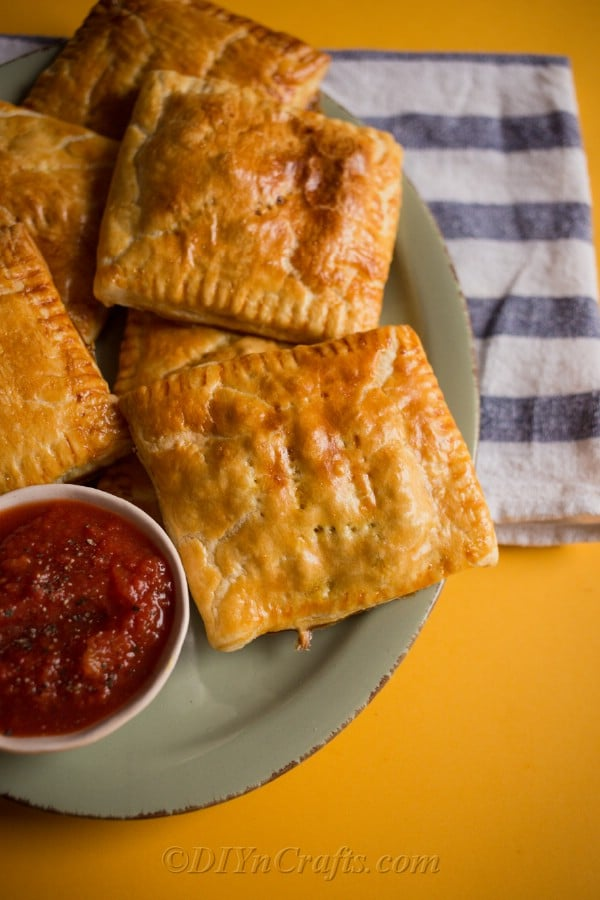Baked crispy curry puffs