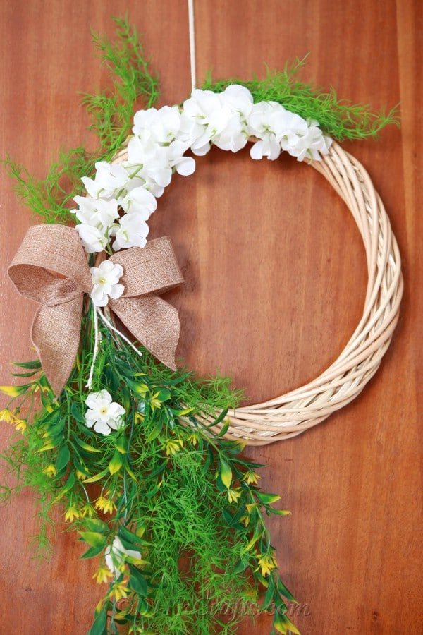 It is easy to make a floral wreath.