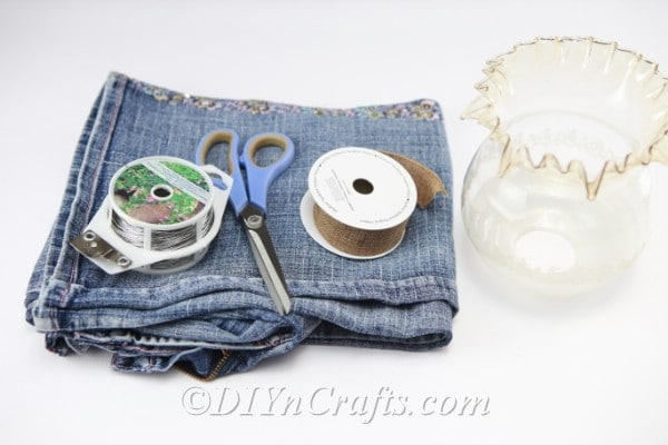 Materials used for denim flower craft.