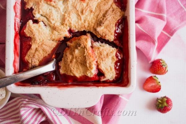 Easy Homemade Strawberry Cobbler Recipe