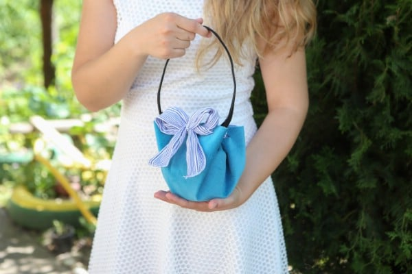 How to Make a Fashionable No-Sew Handbag