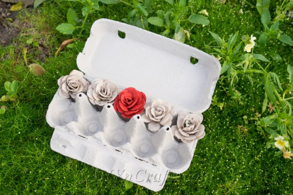 Roses made from egg cartons are amazingly beautiful.