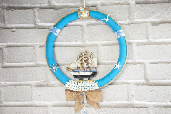 How to Make an Elegant Nautical Summer Wreath