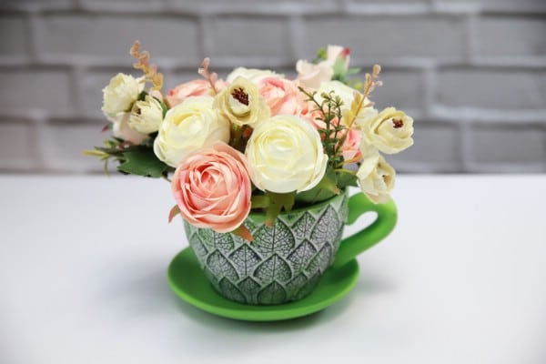 How to Make DIY Floral Decor With a Teacup